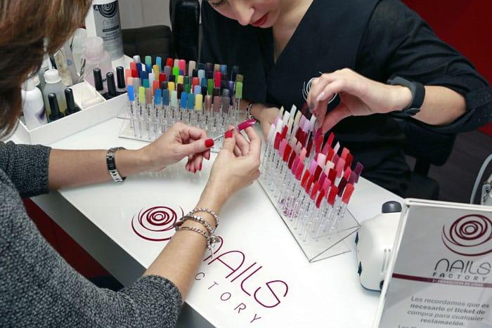 Nails factory, precios de uñas acrílicas
