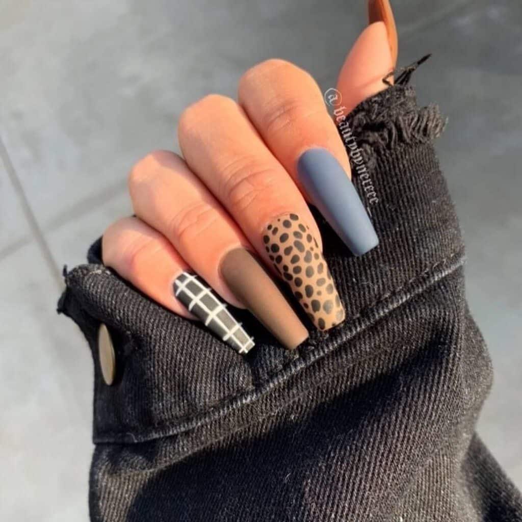 Porque las uñas acrílicas se ponen opacas