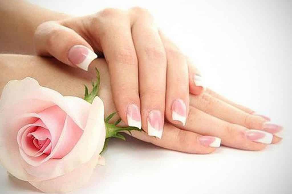 Consejos para cuidar tus uñas acrílicas