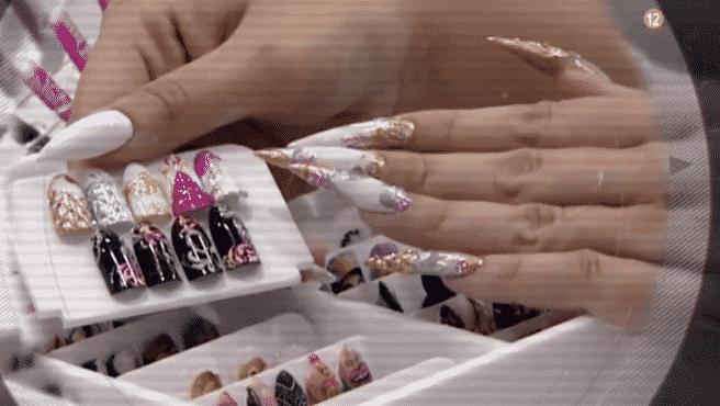 Donde hacen uñas acrílicas
